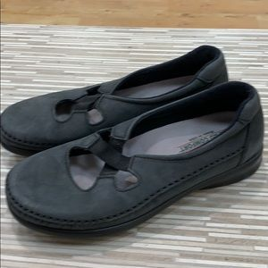 SAS loafers size 7 Preowned